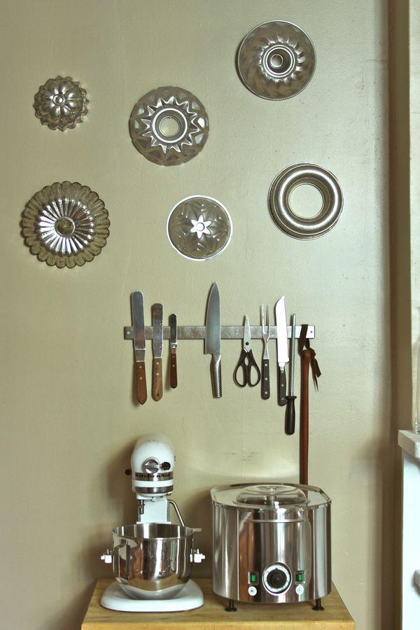 Vintage Baking Tins And Gelatin Molds Urban Comfort