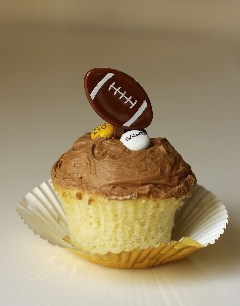 Golden Cupcake with Milk Chocolate Frosting