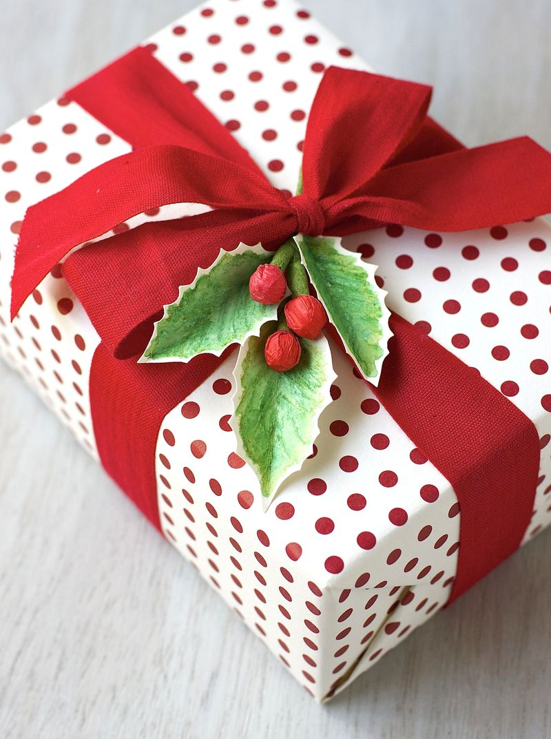 Watercolor Holly Gift Topper - Urban Comfort